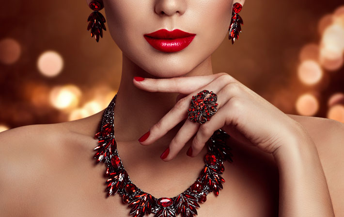 Best Jewellery Options to Match with your Red Bridal Lehenga